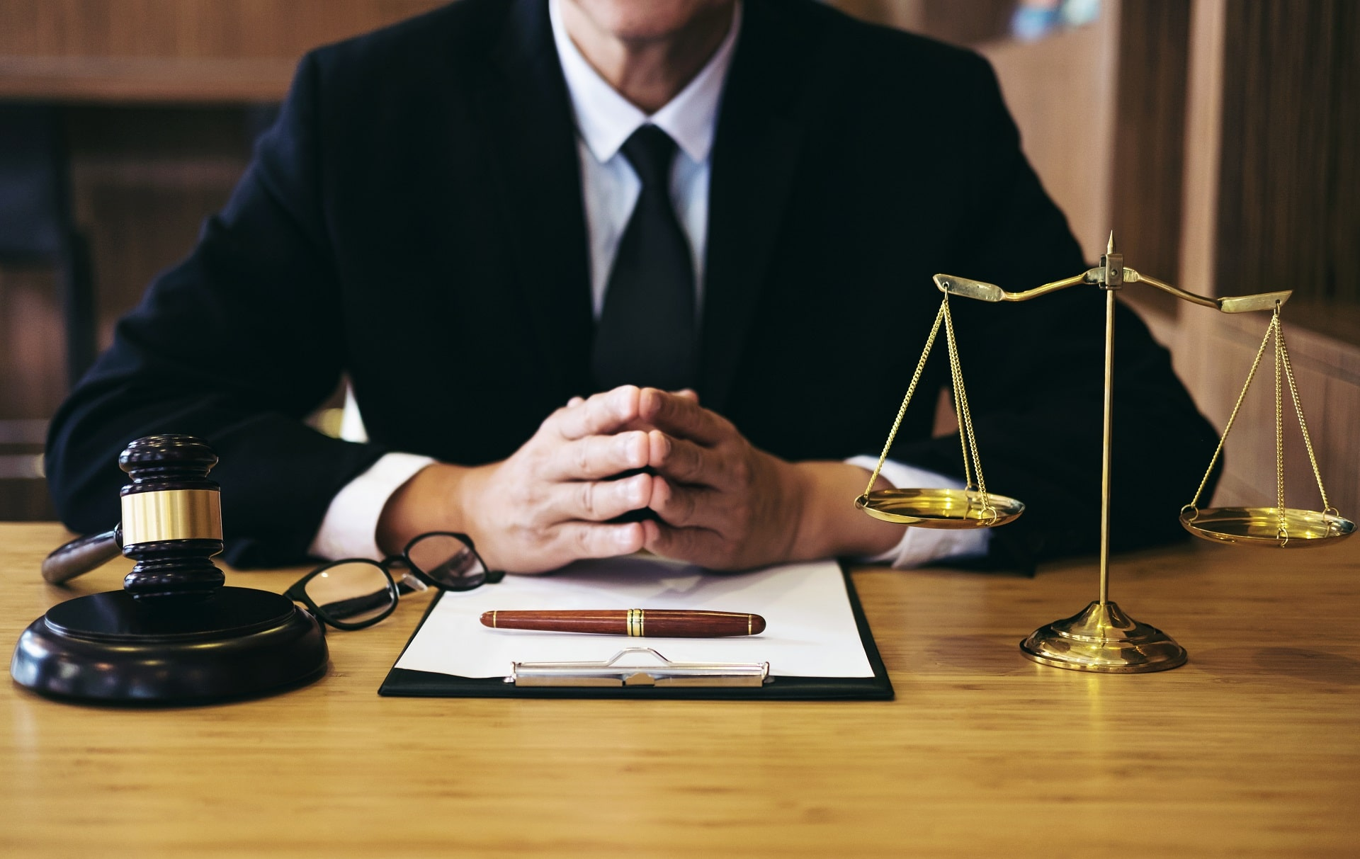 What Makes a Good Auto and Trucking Accident Lawyer?